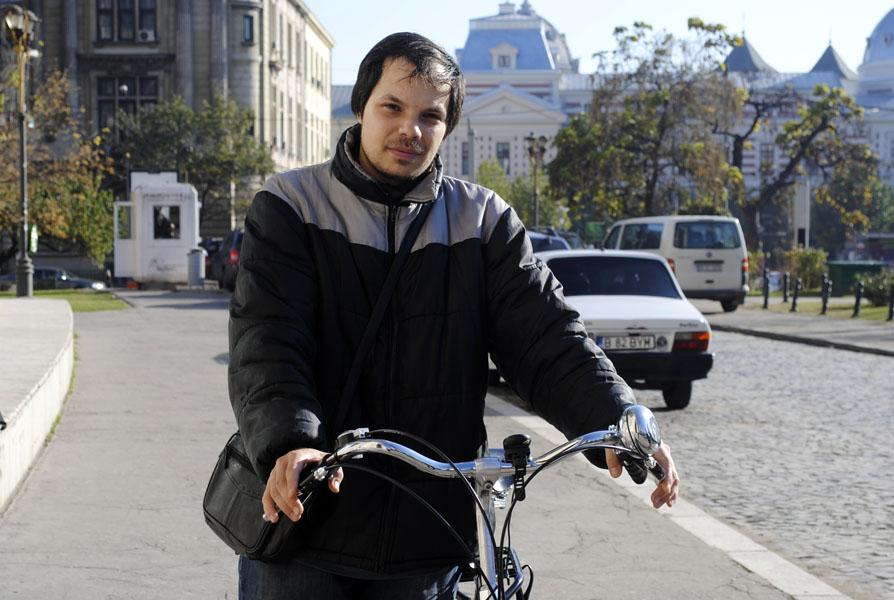 """Alexandru Sever Stan: """"Dacă sunt mulţi biciclişti în oraş, autorităţile sunt obligate să creeze condiţii"""""""