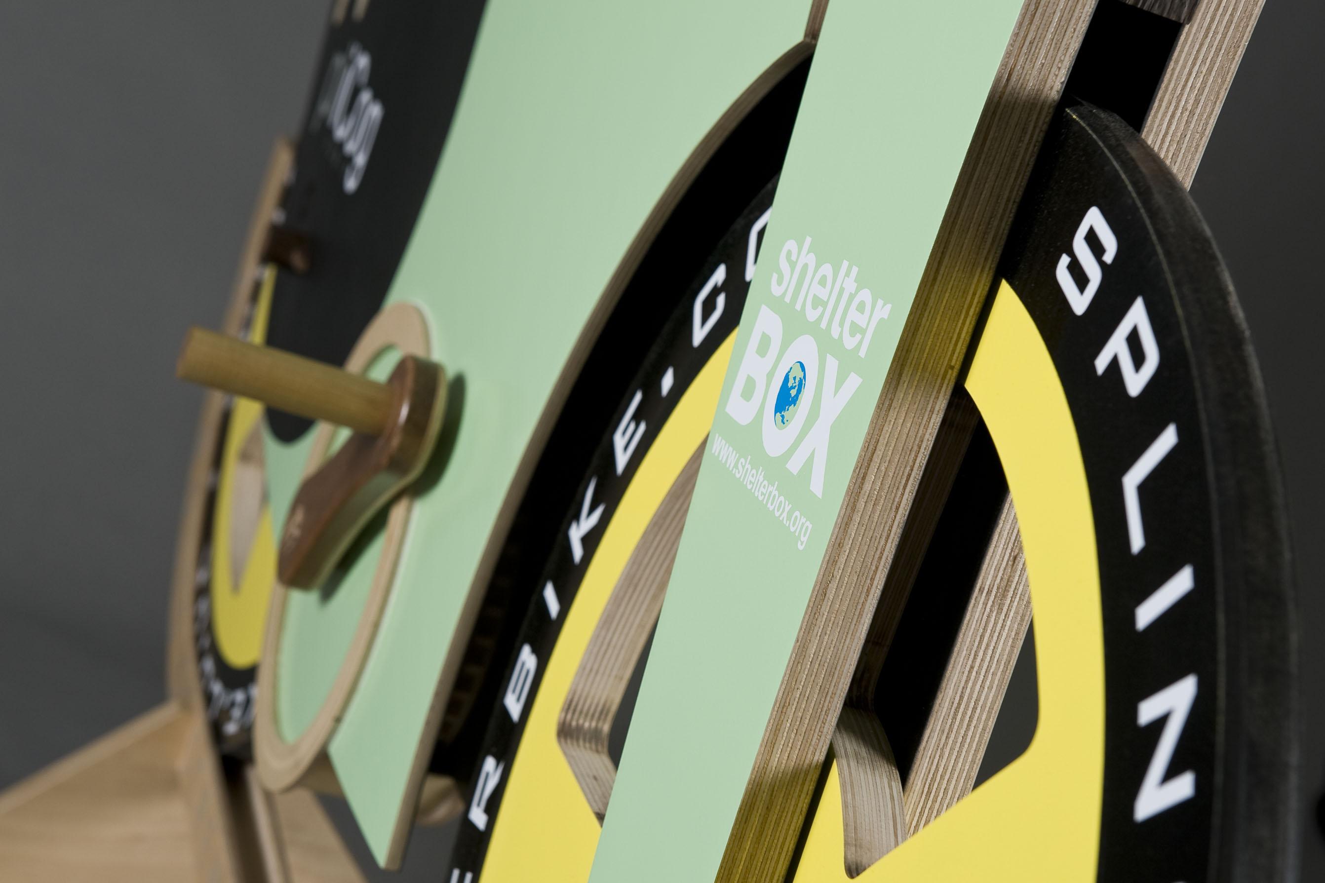 Bicicleta integral din lemn vrea să alerge cu 50 km/h