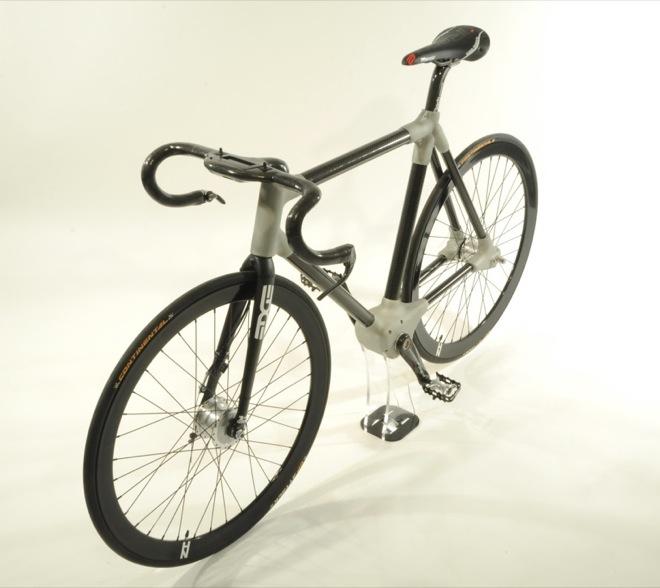 Bicicleta ALPHA, între freewheel şi fixie