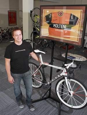 Vă dau o bicicletă la 22.000 de dolari?