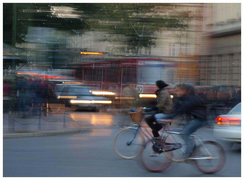 Polonia: Bicicliştii au prioritate faţă de alte automobile