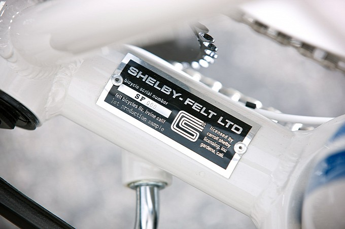 Felt lansează ediţia exclusivă Shelby Cruiser