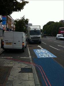 Londra: două autostrăzi noi pentru biciclete