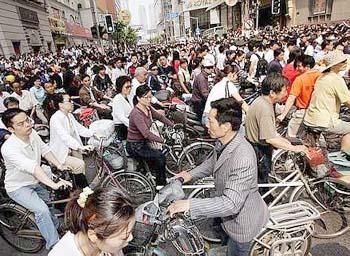 UE mai vrea trei ani de taxe pe bicicletele chinezeşti importate
