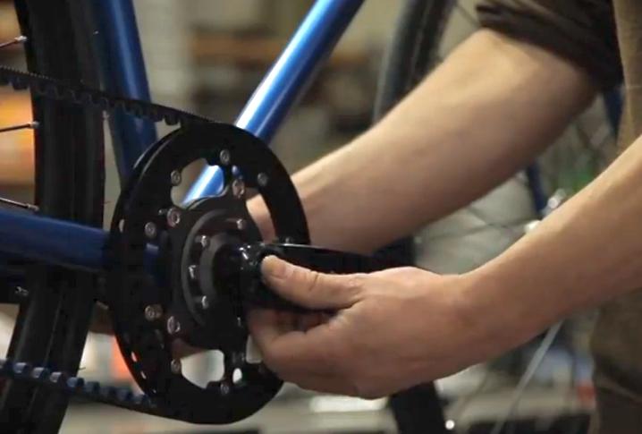 A apărut bicicleta cu pinion fix cu două viteze