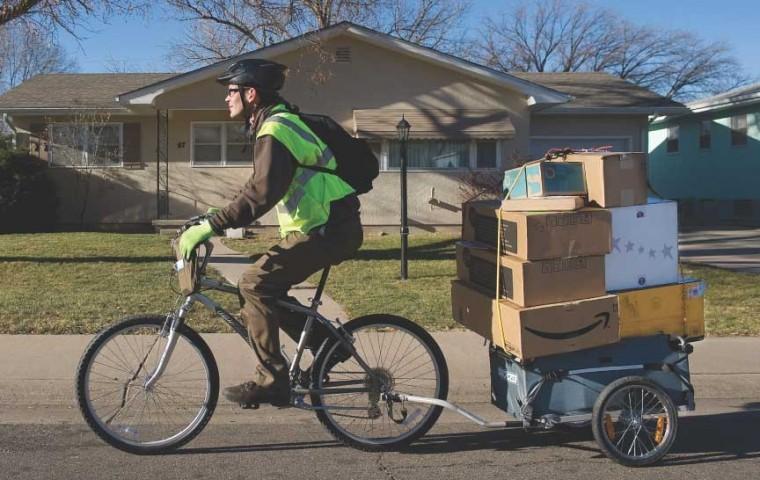 De sărbători, UPS livrează cu bicicleta