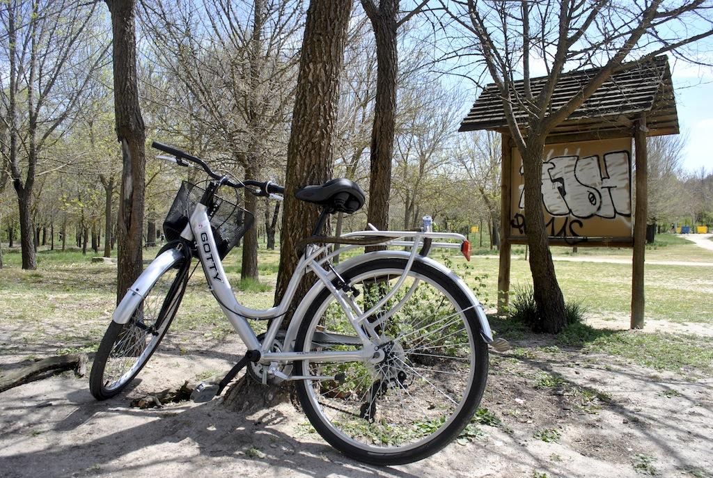 FOTO Cu bicicleta prin parcuri madrilene