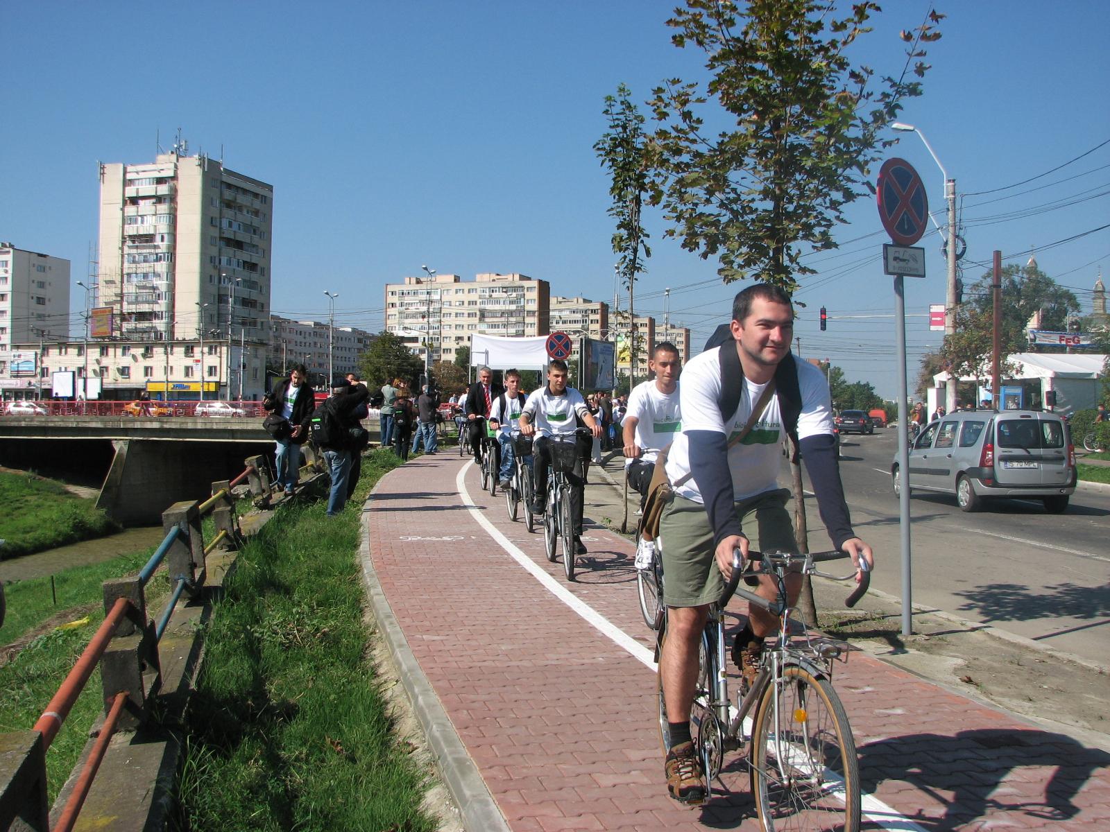Bicicliştii ieşeni ies la paradă
